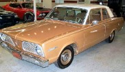 Plymouth Valiant V-100 2dr