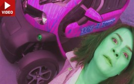 "Droll Romanian Woman Stars in Unorthdox Renault Twizy ""Review"""