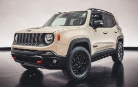Jeep Dressed Up the Renegade and Cherokee for Easter Safari, Too