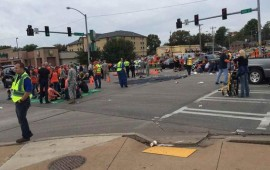 Car slams into homecoming parade in Oklahoma 3 dead