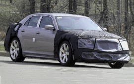 Spy photos of the new Chrysler 300