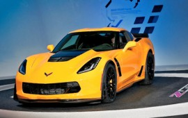 The 2015 Corvette Stingray has gotten two new design packages