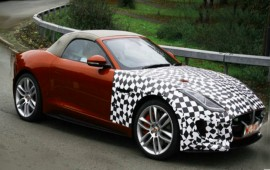 Jaguar will present its all-wheel-drive F-Type at the Los Angeles auto show