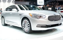 The Kia K900 is presented at the show in Los Angeles