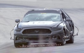 Spy photos of the latest Ford Mustang