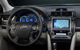 Toyota holds Apple, Google at bay with Telenav navigation deal